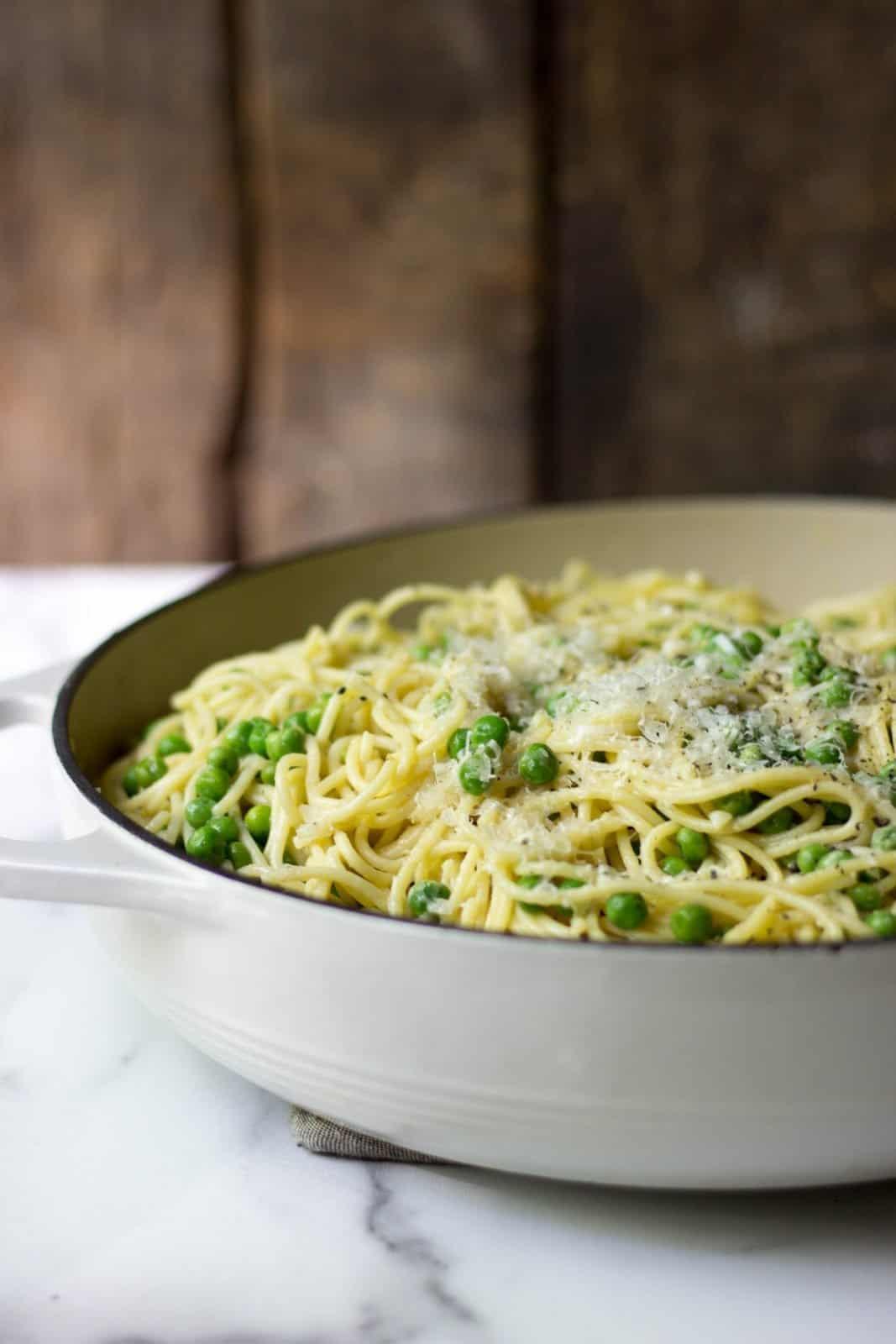 Side shot of Simple Spaghetti with Peas, Garlic & Parmesan